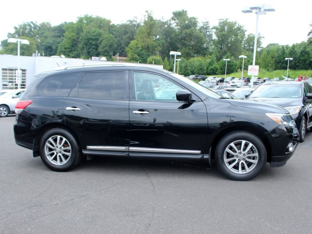 Certified Pre-Owned 2016 Nissan Pathfinder SL