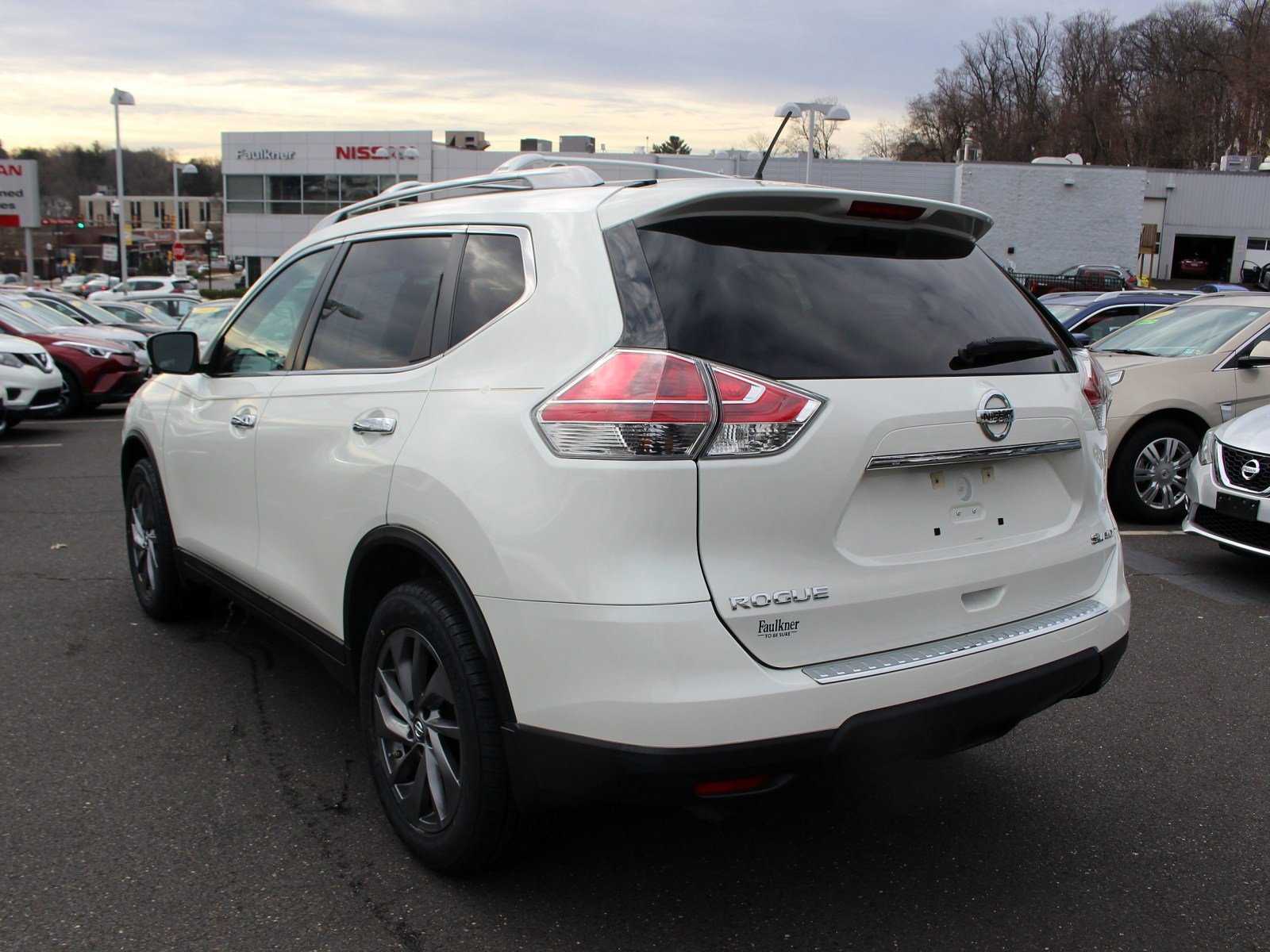 Certified Pre-Owned 2016 Nissan Rogue SL